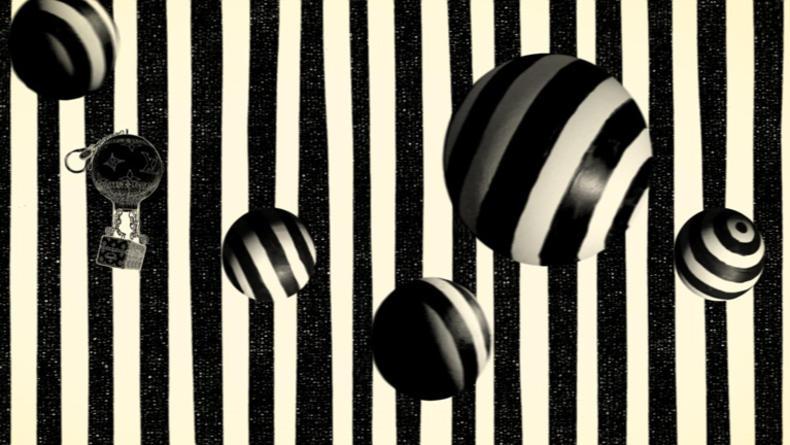 Новое видео Louis Vuitton про путешествие брелока