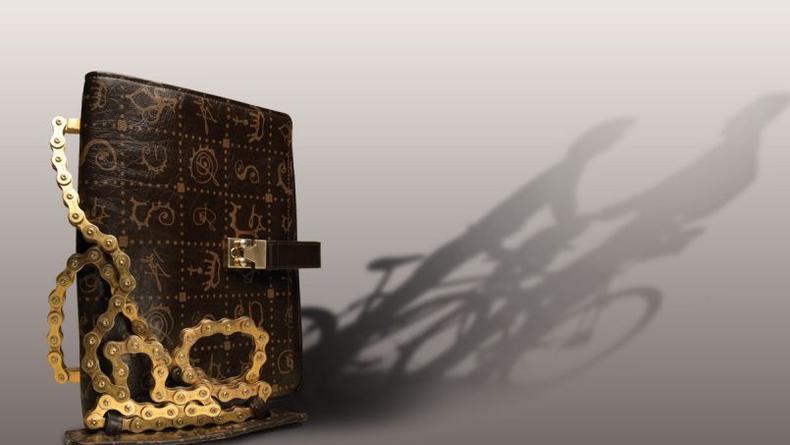 Любовное признание Дали в коллекции сумок Lancel