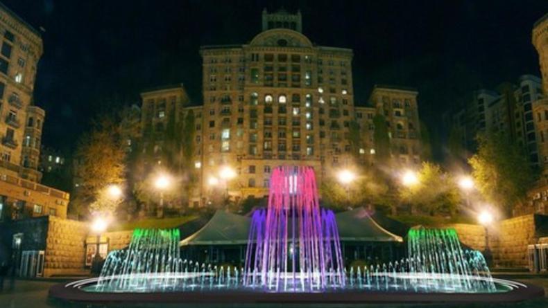 Сегодня в столице начнут работать фонтаны