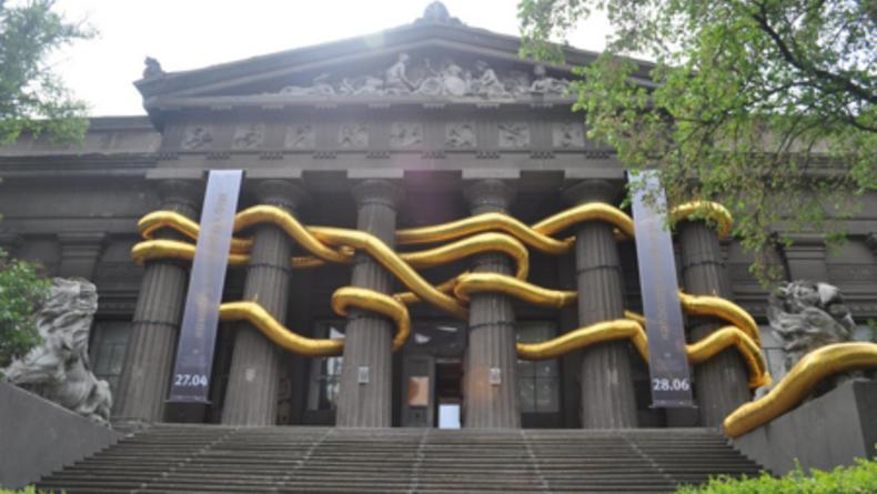 Инсталляция в Национальном музее провисела всего сутки