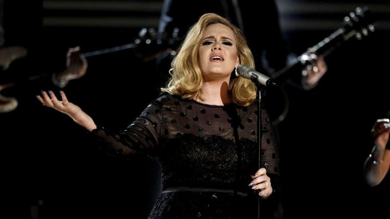 Адель выиграла 12 наград от журнала Billboard