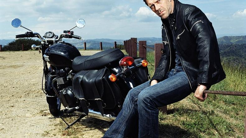 Хью Лори в Киеве: ездить на мотоцикле и сходить на ЕВРО