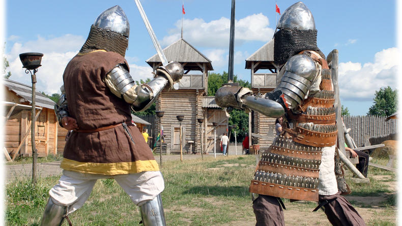 Зрелищные средневековые бои в Парке Киевская Русь