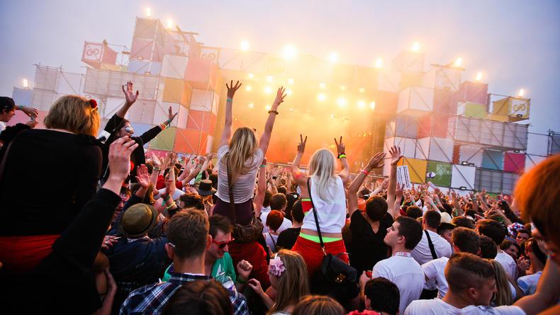 План действий на уикенд: Global Gathering и фонтаны