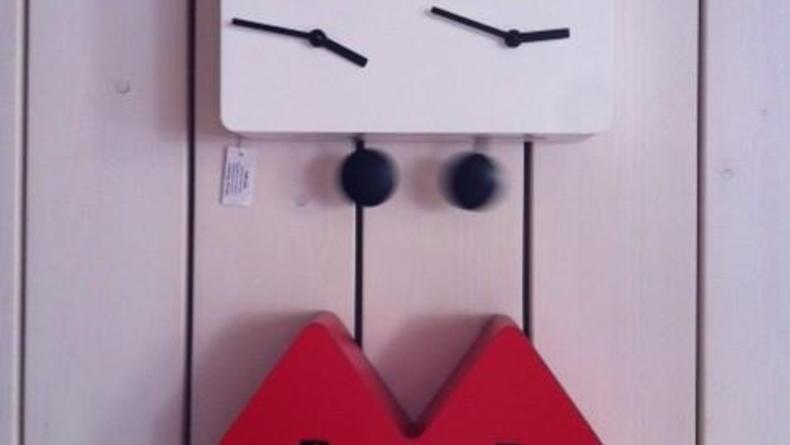 Веселые дизайнерские часы с кукушками в Pavilion Flamant