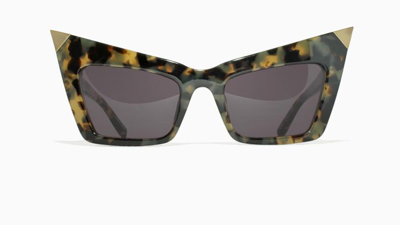 В Helloglasses появились очки от Linda Farrow