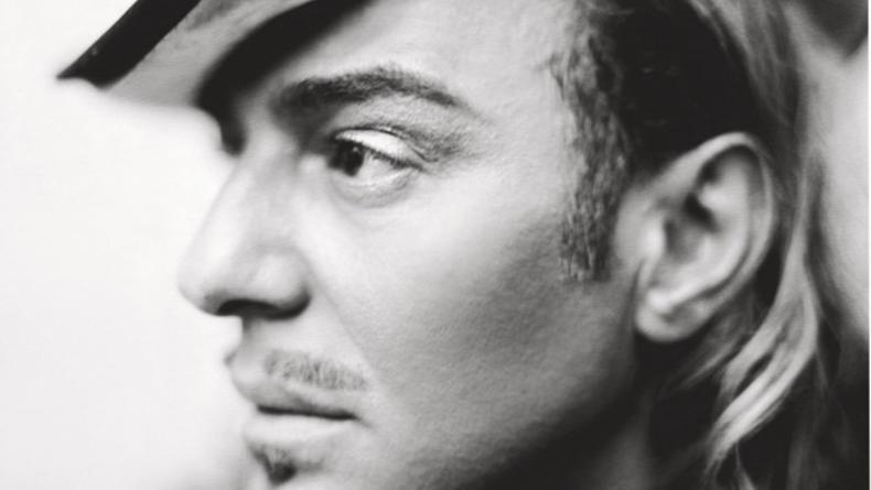 Джон Гальяно подал в суд на Модный Дом Christian Dior