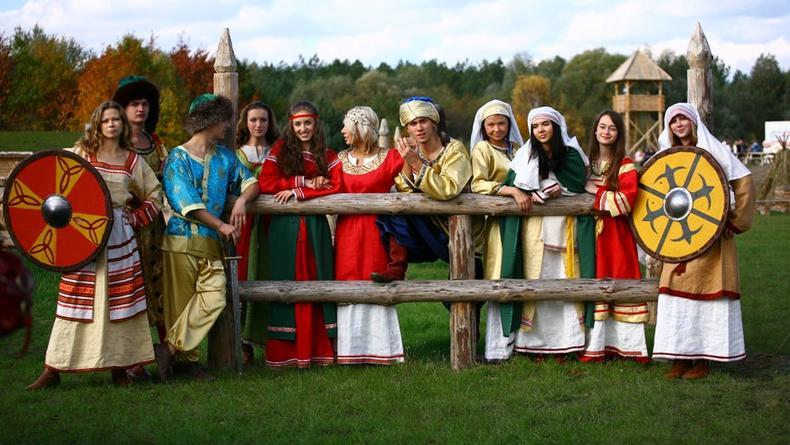 Средневековая мода в Парке Киевская Русь