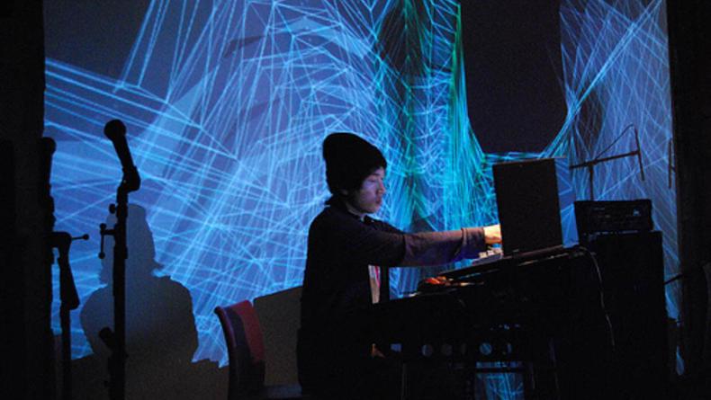 Арт-перформанс от музыкантов из Японии и наших художников