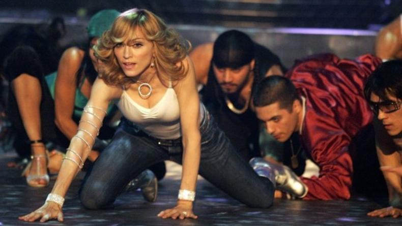 Мадонну вызывают в суд за пропаганду гомосексуализма