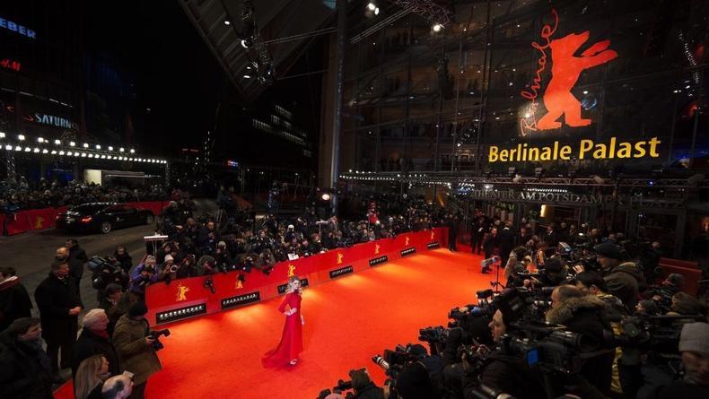 Вчера торжественно открылся Берлинале (ВИДЕО)