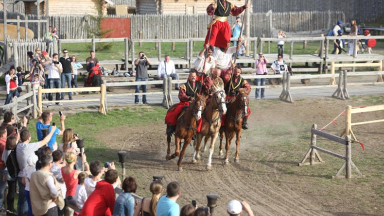 Международный фестиваль конно-трюкового мастерства