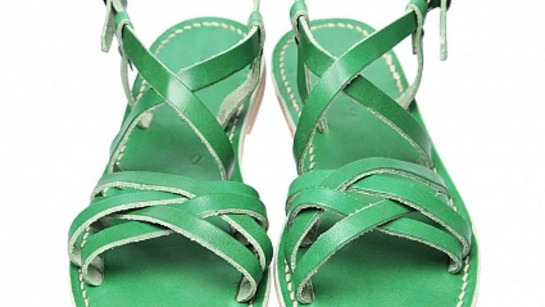 35 римских сандалий из магазинов города (ФОТО)
