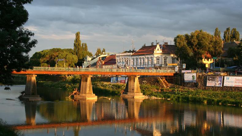 Путешествия по Украине: Ужгород - город для поцелуев (ФОТО)
