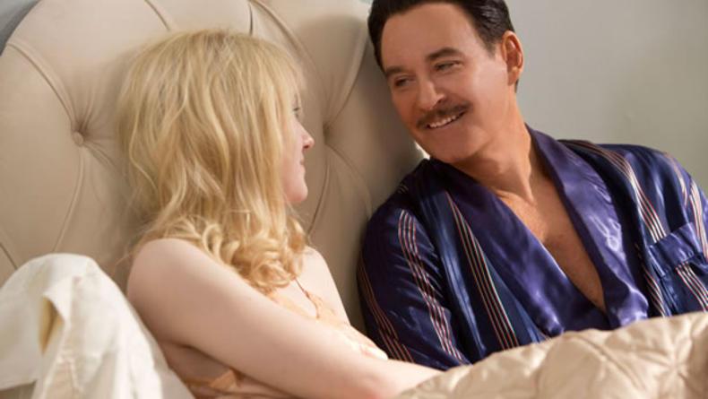 Стареющая кинозвезда заводит роман со старлеткой