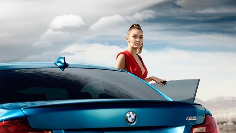 Известная модель снялась в новой рекламе BMW