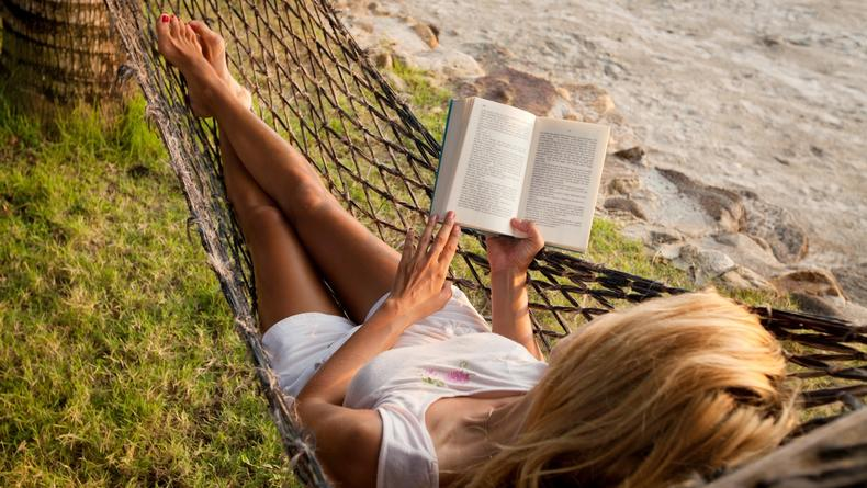 10 лучших книг для чтения в гамаке
