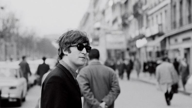 Вещи Джона Леннона и Боба Дилана продадут на Sotheby's