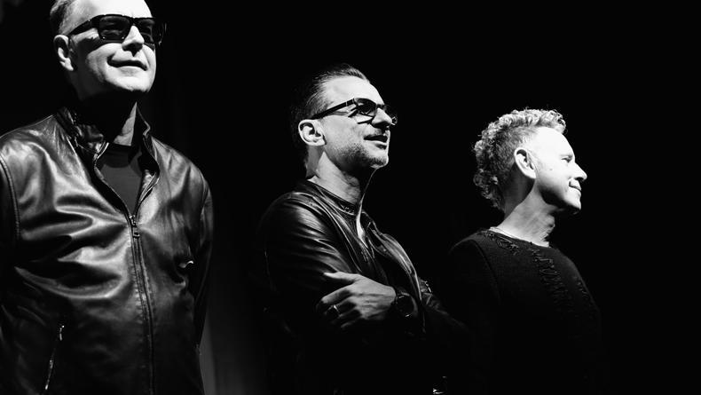 Depeche Mode слетали в космос в новом клипе