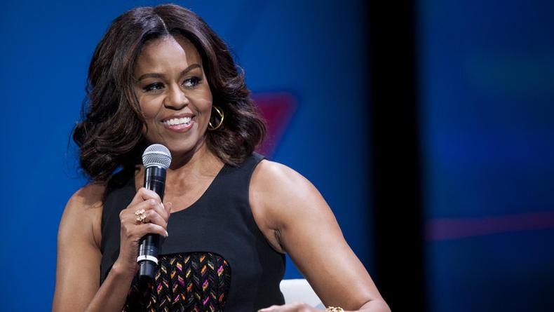 Мишель Обама сообщила о выходе своих мемуаров