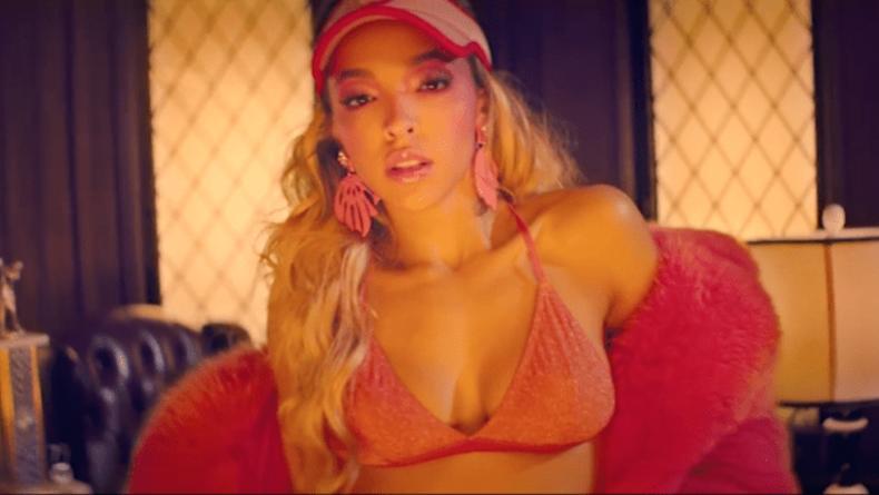 Украинка сняла второй клип для американской певицы Tinashe