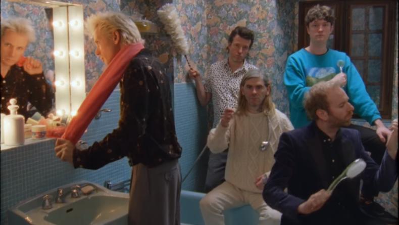 Группа Franz Ferdinand презентовала клип на песню Glimpse Of Love
