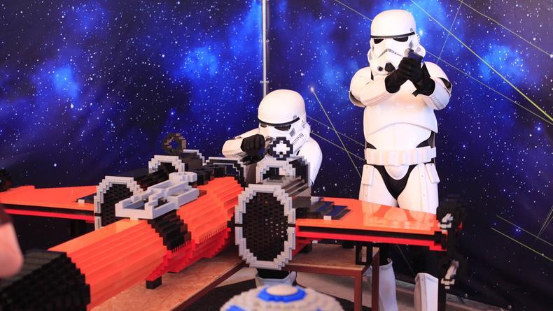 Хогвартс, Мстители и Звезда Смерти в Днепре. Украинские LEGO-стройки, которые хочется увидеть своими глазами