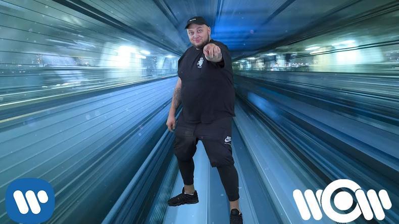 В новом клипе Kyivstoner танцует и попадает в тренды YouTube