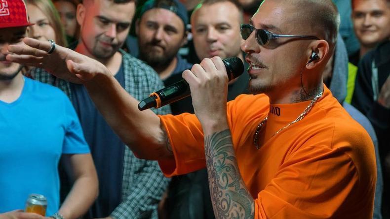 Киевский рэпер разорвал соперника на Versus Battle