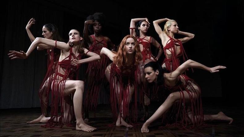 Хоррор о ведьмах, танцах и фашизме: Рецензия на фильм Суспирия