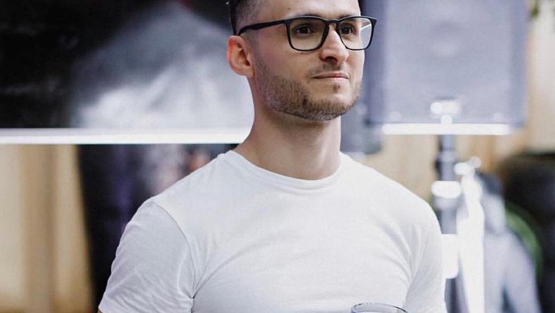 Комику и шоумену Игорю Ласточкину исполнилось 32 года