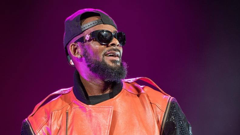 Скандальный певец R.Kelly дал 28-секундный рэп-концерт