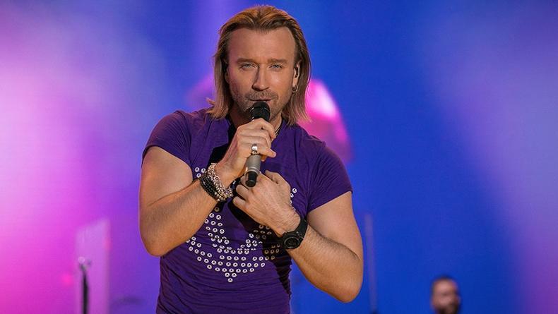 Олег Винник помог на концерте сделать предложение руки и сердца