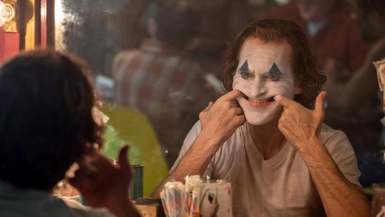 """""""Надень счастливое лицо"""": Опубликованы эффектные кадры из фильма Джокер"""