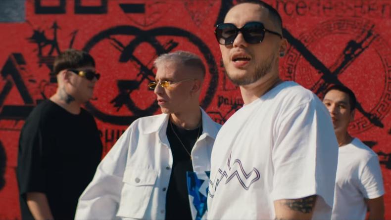 """""""Еще богаче"""": Украинский рэпер выпустил мощный трек со Скриптонитом"""