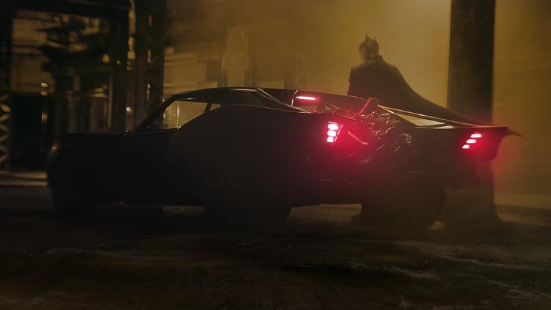 Первый взгляд: Появились эффектные кадры из нового Бэтмена