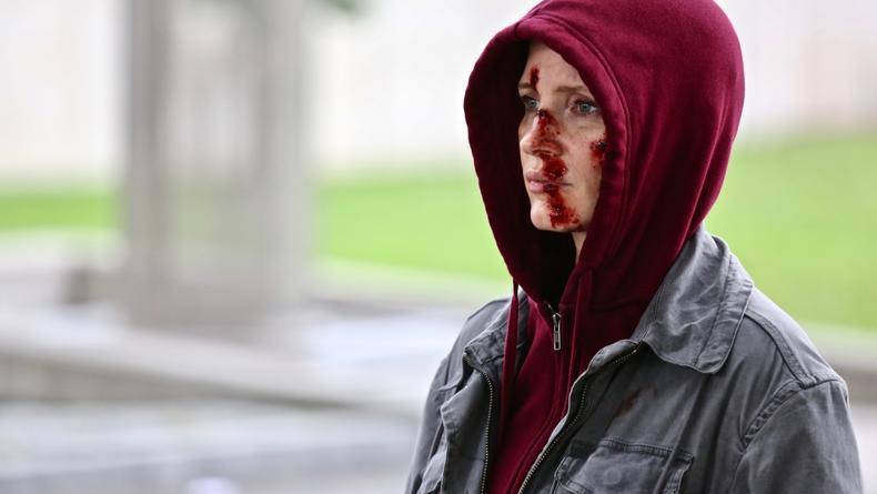 Кровь и шпионы: Появились эффектные кадры из триллера Агент Ева с Джессикой Честейн