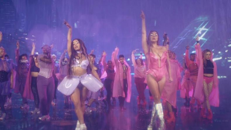 42 млн просмотров: Леди Гага и Ариана Гранде взорвали YouTube новым клипом