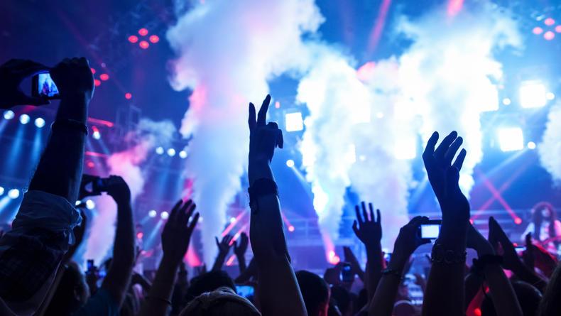 План действий на уикенд: Вечеринки, фестивали и кино