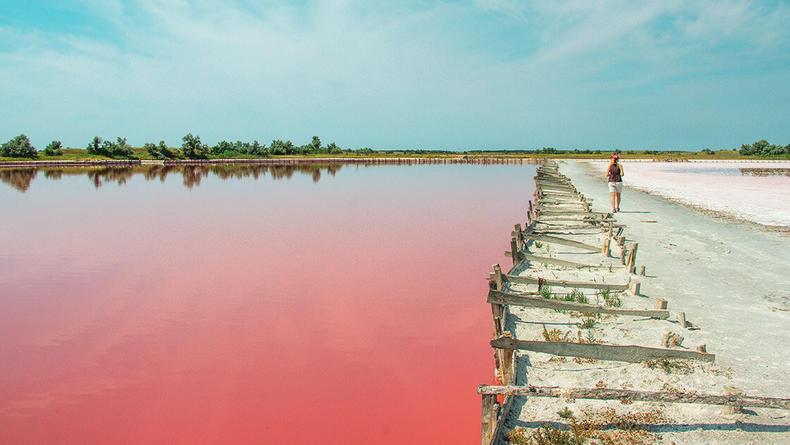 Живописные чудеса: ТОП-5 поразительных розовых озер в Украине