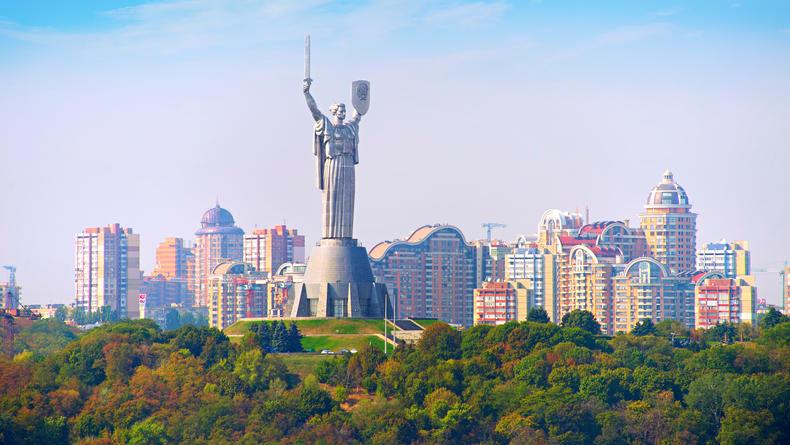 Сергей Жадан, картины ню и кино под открытым небом: Чем заняться 28 июля