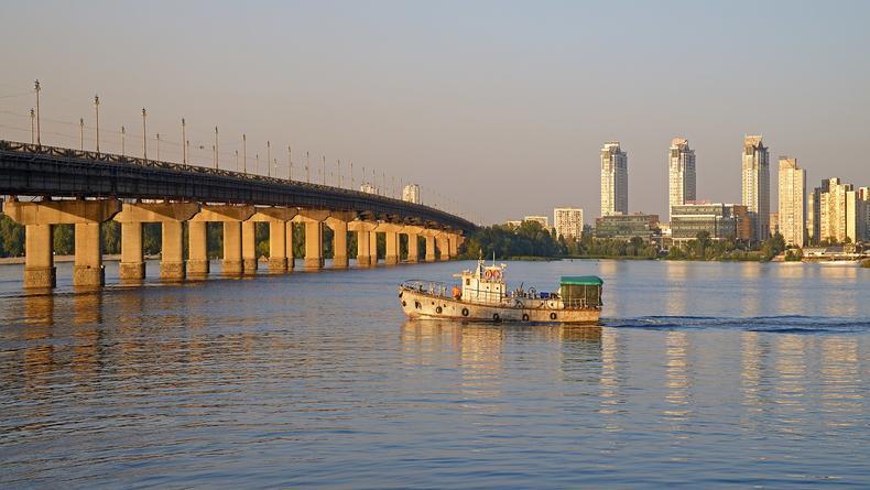 Как новая копейка: в Киеве планируют отреставрировать мост Патона