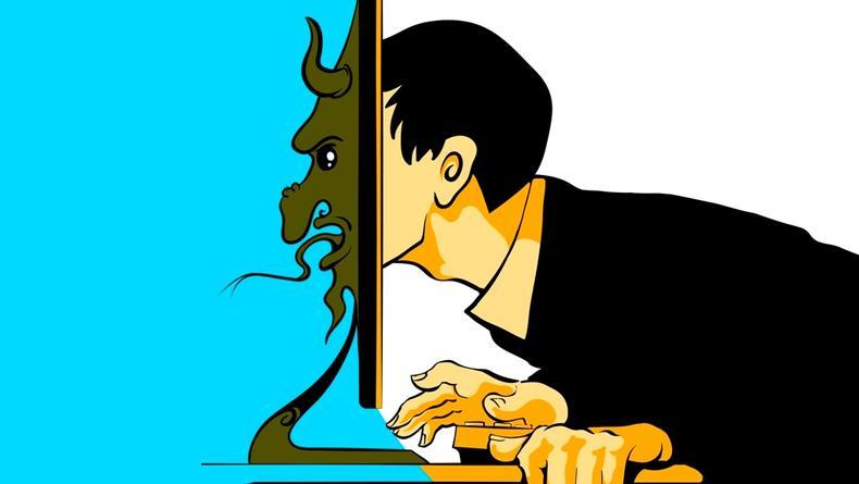 Почему опасно выкладывать фото в соцсетях: Ответ эксперта