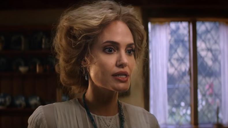 """""""Питер Пэн и Алиса в Стране чудес"""": Джоли превратилась в блондинку"""