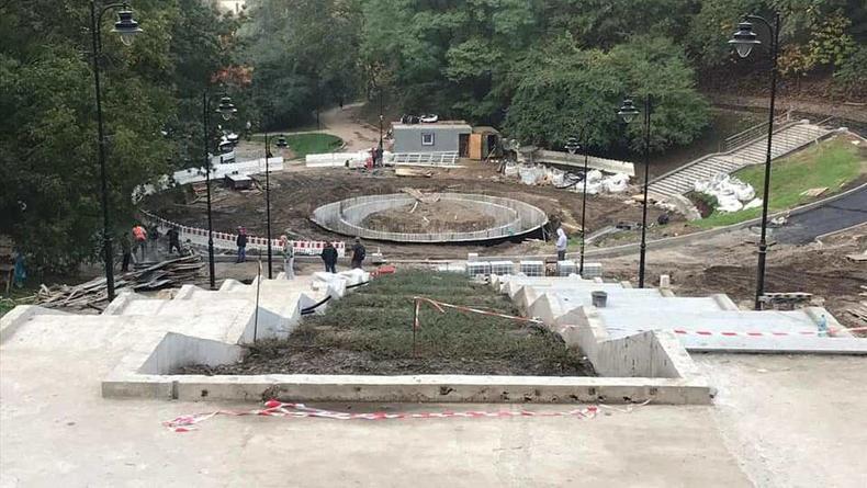 В Соломенском парке Киева зарождается фонтан