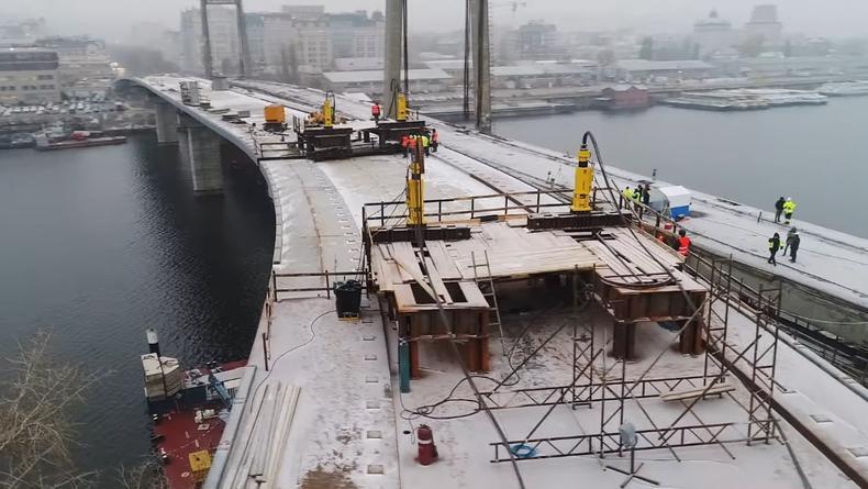 Появился ролик со строительства Подольско-Воскресенского моста в Киеве