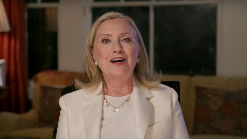 Осенью будет опубликован роман Хиллари Клинтон