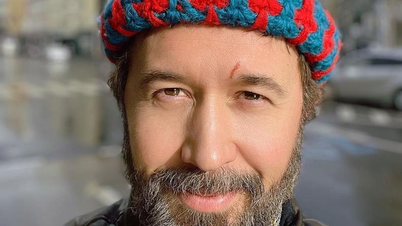 Сергей Бабкин высказался о своей проблеме зрения в авторской поэзии