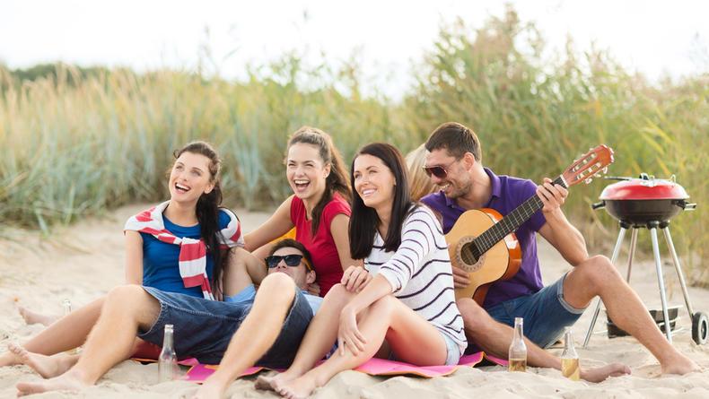 Выходные в апреле 2021: Сколько отдыха предусматривает 2-й месяц весны