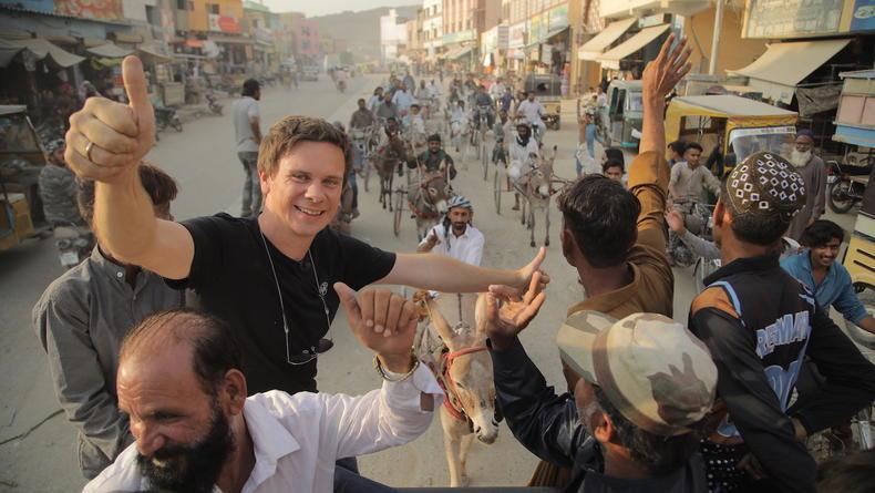 Дмитрий Комаров стал участником нелегальной гонки в Карачи